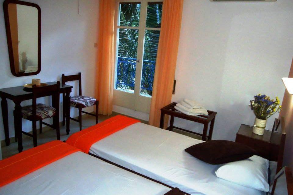 2 Beds Standard